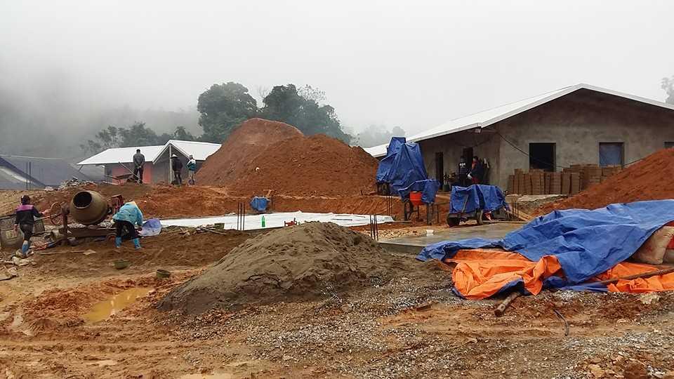 Một ngôi trường xây bằng tiền từ thiện của Quỹ học trò nghèo vùng cao sắp hoàn thiện tạiLũng Luông, Võ Nhai (Thái Nguyên)