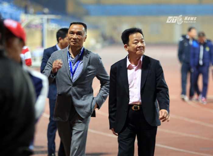 Bầu Hiển ủng hộ bầu Đông chuyển CLB Hà Nội vào TP.HCM, lấy tên FC Sài Gòn (Ảnh: Phạm Thành)