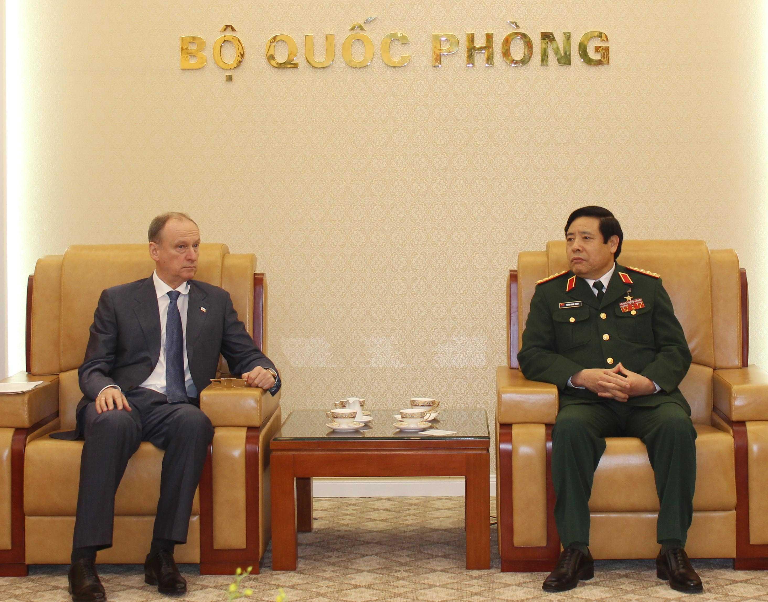 Đại tướng Phùng Quang Thanh, Bộ trưởng Bộ Quốc phòng tiếp Thư ký Hội đồng an ninh Liên bang Nga Patrushev Nikolai Platonovich - Ảnh: Hồng Pha