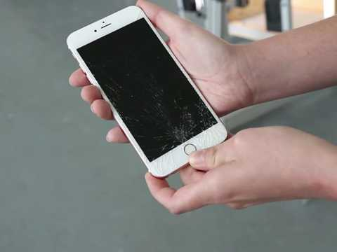 Lần này, chỉ có duy nhất iPhone 6S không bị hỏng màn hình còn mẫu điện thoại iPhone 6S Plus và Galaxy S7 đều bị vỡ màn hình.