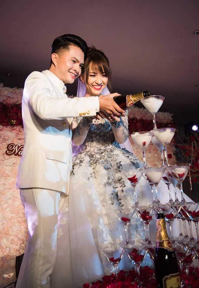 Cả hai hạnh phúc trong ngày cưới trọng đại tại TP.HCM vào ngày 14/3 vừa qua.