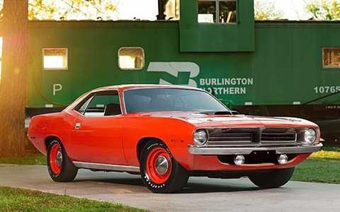1970 Chrysler Hemi có công suất 425 mã lực. Khả năng tăng tốc từ 0-100km/giờ trong vòng 5,6 giây