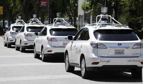 Ô tô tự lái. Ô tô đã trở nên quá phổ biến trong cuộc sống. Tuy nhiên, ô tô tự lái (Self-Driving Automobiles) thì lại là một câu chuyện khác. Đơn giản vì ô tô tự lái là một công nghệ giống như trong phim viễn tưởng và đòi hỏi rất nhiều công nghệ cao để thực hiện được. Trong năm 2016, Google và Tesla sẽ là những đối thủ trên thị trường đầy tiềm năng này