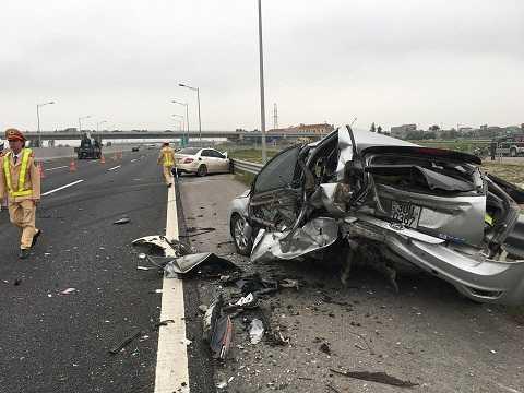 Hiện trường vụ tai nạn - Ảnh otofun