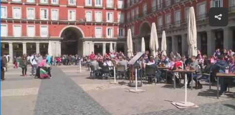 Người ăn xin bị làm nhục giữa thủ đô Tây Ban Nha