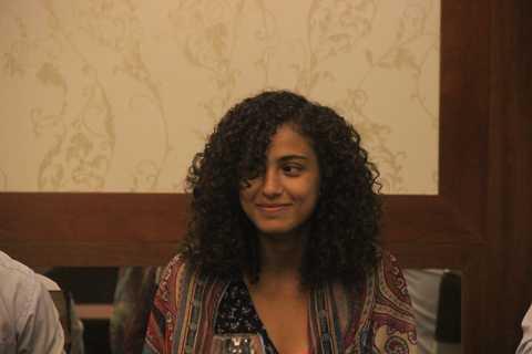 Alaa Mohammad Abdu Ali Aldoh tươi cười khi trao đổi với phóng viên.