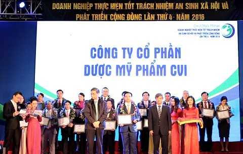 Thạc sĩ Dược học Nguyễn Trường Thành, Giám đốc Công ty Cổ phần Dược mỹ phẩm CVI tại buổi lễ.