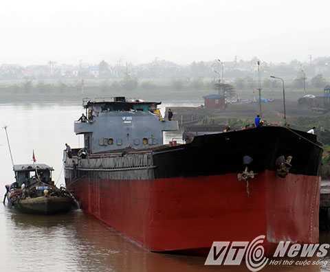 Sau khi tháo dỡ, di dời khỏi vị trí đâm va cầu An Thái, tàu Thành Luân 28 sẽ được cơ quan CSĐT Công an tỉnh Hải Dương tạm giữ để phục vụ công tác điều tra.