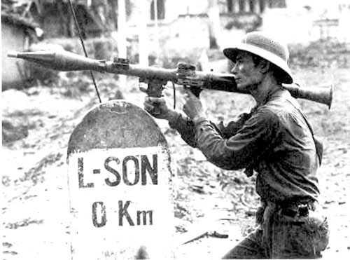 Bộ đội Việt Nam đánh trả quân Trung Quốc xâm lược tại Lạng Sơn năm 1979