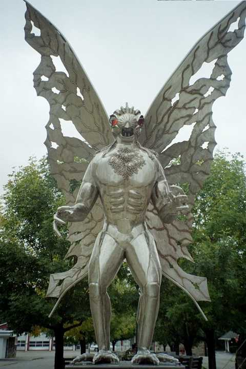 Tượng người bướm (mothman) ở Point Pleasant