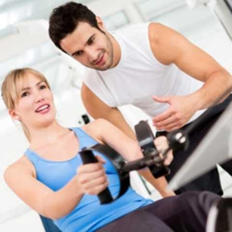 Huấn luyện viên thể hình, thể dục. Tập gym – rèn luyện sức khỏe đang dần trở nên phổ biến hơn đối với nhiều người. Tất nhiên, không thể không nhắc đến vai trò quan trọng của các HLV thể hình, thể dục – bởi họ chính là những người giúp đỡ người tập rèn luyện một cách kỹ càng và chính xác nhất.