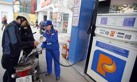 Nếu áp mức thuế theo thực tế thì giá xăng dầu sẽ thấp hơn.