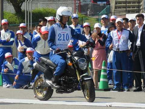 Hướng dẫn viên LXAT của Honda Việt Nam được cử đi thi và giành giải cao ở cuộc thi LXAT quốc tế tổ chức tại Nhật Bản năm 2015