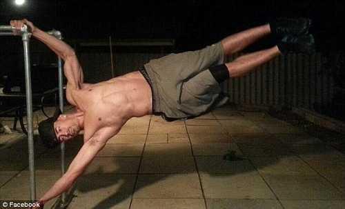 Người bạn trai rèn luyện thể lực.