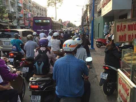 Ùn tắc trên đường Trần Quốc Thảo, quận 3. Ảnh: Thanh Qúy