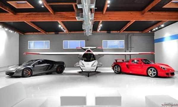 Việc những người giàu sở hữu máy bay riêng không còn là chuyện hiếm trên thế giới.