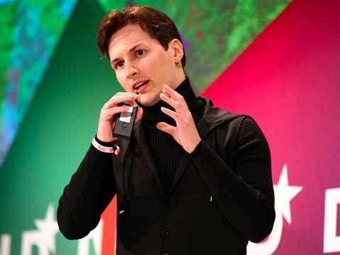Pavel Durov sinh ngày 10/10/1984. Ngay từ khi còn là một cậu bé, Durov đã tập tành mã hóa thông tin và các công nghệ máy tính khác. Cậu bé rất thân với anh trai mình là Nikolai Durov và cả hai cùng đam mê việc lập trình