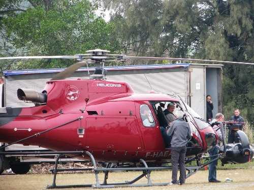 Chiếc trực thăng được sử dụng quay những bối cảnh trên cao ở Quảng Bình, Ninh Bình, Quảng Ninh. Ảnh: Minh Cương.