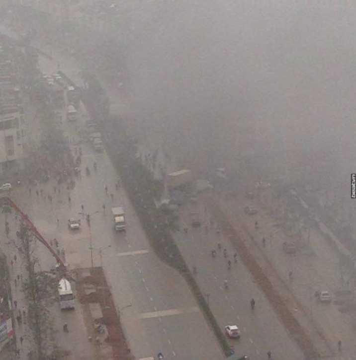 Khói bụi mịt mù sau vụ nổ - Nguồn ảnh: Beat.vn