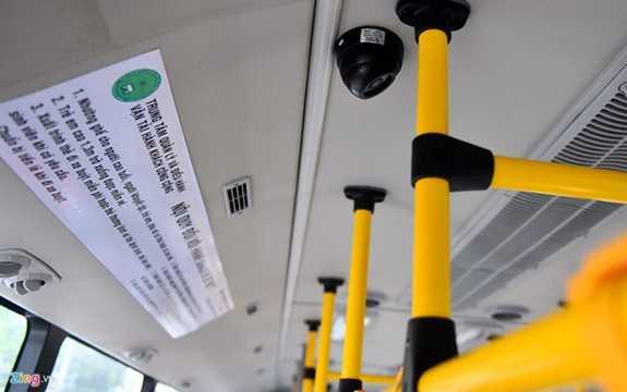6 chiếc xe buýt mới tuyến 109 được nhập nguyên chiếc từ Hàn Quốc theo tiêu chuẩn vận tải hành khách công cộng của các nước phát triển. (Ảnh: zing.vn)