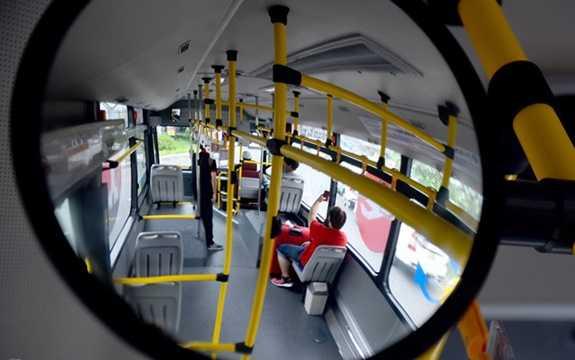 Thời gian di chuyển trong điều kiện không ùn tắc khoảng 45 phút/lượt. Hành khách có thể đợi xe ở các bến từ 15-20 phút. (Ảnh: zing.vn)