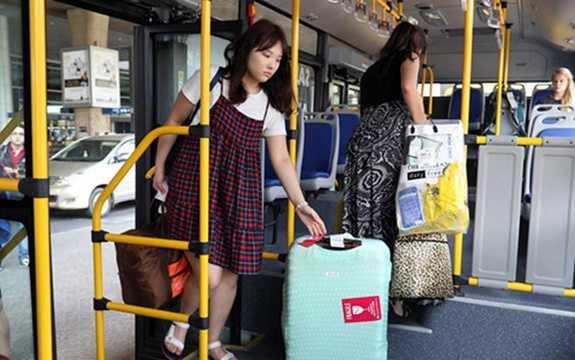Theo công ty SATSCO thì công tác bán vé, thực hiện lộ trình, dừng đỗ đón trả khách cũng như thời gian di chuyển sẽ được đảm bảo hạn chế việc trễ giờ của hành khách sử dụng phương tiện (Ảnh: Thanh Niên)