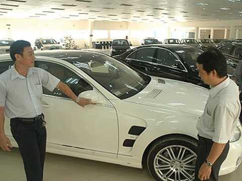 Không chạy thử xe là điều tối kỵ khi chọn mua xe lần đầu