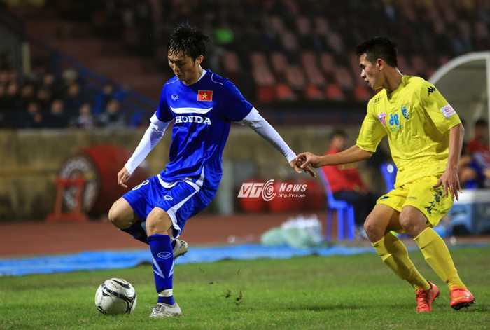 Tuấn Anh có màn trình diễn khá tốt trước Hà Nội T&T (ảnh: Phạm Thành)