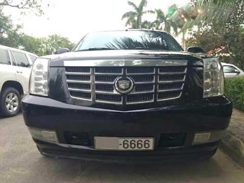 Trong số những chiếc xe này, có tới 2   chiếc Cadillac - một thương hiệu xe sang Mỹ rất hiếm gặp tại thị trường   Việt Nam, 1 chiếc Mercedes-AMG cực