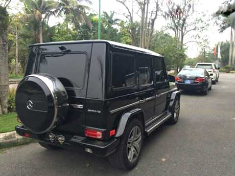 Tại thị trường Việt Nam, Mercedes   G63 được phân phối chính hãng với mức giá bán ra khoảng 7,074 tỷ đồng.   Số tiền để tậu chiếc xế off-road này đủ mua 2 chiếc sedan sang trọng   Mercedes S400.