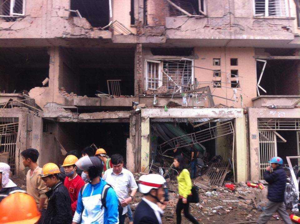 Vụ nổ làm nhiều ngôi nhà hư hại nặng