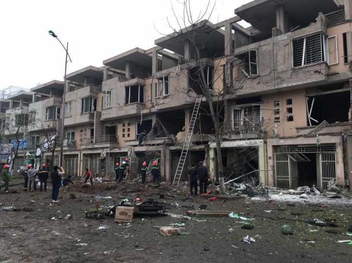Những căn nhà bị hư hỏng nặng sau vụ nổ