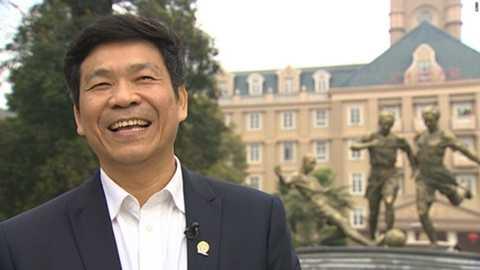 Hiệu trưởng Liu Jiangnan