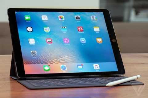 iPad Pro 9,7 inch nhỏ hơn nhưng mạnh mẽ không kém