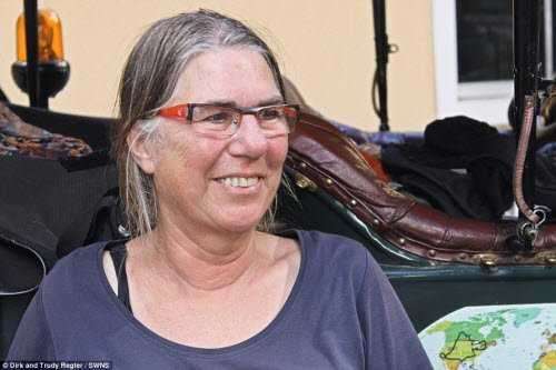 Cho đến nay, bà Trudy Regter và chồng lái xe cổ hoàn thành quãng đường  80.000 km trong hành trình du lịch vòng quanh thế giới.