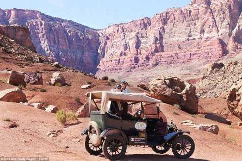 Mẫu xe Ford Model T được sản xuất hàng loạt với 15 triệu chiếc trong thời gian từ 1908 đến 1927.