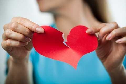 Nếu bạn muốn thay đổi thói quen hay quản lí công việc, bạn bè của đối phương thì đó là một sai lầm nghiêm trọng trong tình yêu