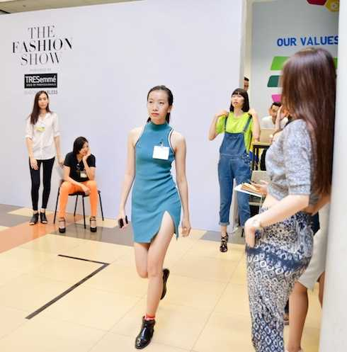 Người mẫu Phan Linh.