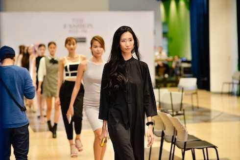 Dàn người mẫu của 'The Fashion Show'.