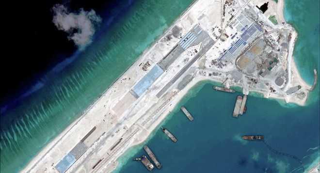 Hình ảnh vệ tinh cho thấy Trung Quốc tăng cường xây dựng trái phép trên các bãi đá ngầm ở Biển Đông