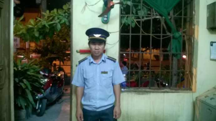 Anh Phạm Tiến Dũng, một trong ba nhân viên gác chắn đã dừng kịp thời tàu hàng