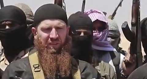 Shishani (râu đỏ) - kẻ được coi là Bộ trưởng Quốc phòng của IS. Ảnh: AP