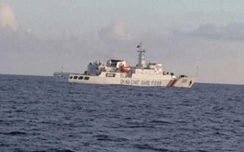 Tàu Trung Quốc xuất hiện trái phép tại vùng đặc quyền kinh tế quanh quần đảo Natuna của Indonesia. Ảnh Stop Ilegal Fishing