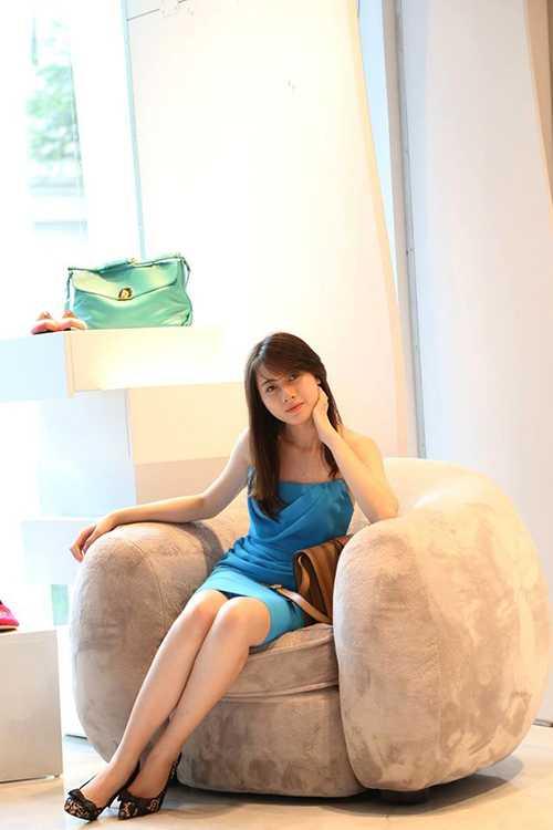 Thần tượng của hot girl là Hoa hậu quý bà Nguyễn Thu Hương.