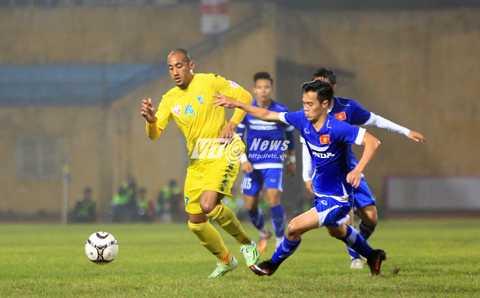 Triết lý Miura thúc đẩy cầu thủ phải đá nhiệt khắp mặt sân (Ảnh: Phạm Thành)