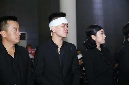 Các con của nhạc sĩ Thanh Tùng không kìm được nước mắt