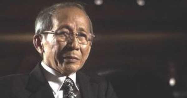 Nhạc sỹ Nguyễn Ánh 9 nhập viện trong tình trạng nửa tỉnh nửa mê.