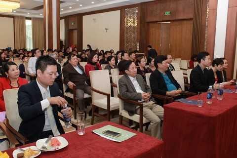 """1 Hàng trăm khách hàng tham dự buổi lễ """"Cơ hội đầu tư căn hộ khách sạn FLC Luxury Hotel Sầm Sơn"""""""