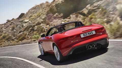 Jaguar F-Type V6 S với các thông số cơ   bản: giá bán 65.745 bảng Anh, công suất cực đại 380bhp, mô men xoắn tối   đa 339lb ft, tăng tốc từ 0-62mph (96km/h) trong 4,9 giây, tốc độ tối đa   cho phép 171mph (275km/h), tiêu hao nhiên liệu 32,8mpg, xả khí thải   203g/km CO2. Top Gear đánh giá rằng,
