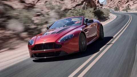 Cuối cùng là Aston Martin V12 Vantage   Roadster với các thông số cơ bản: giá bán 148.155 bảng Anh, công suất   cực đại 565bhp, mô men xoắn tối đa 457lb ft, tăng tốc từ 0-62mph   (96km/h) trong 3,9 giây, tốc độ tối đa cho phép 201mph (323km/h), tiêu   hao nhiên liệu 19,2mpg, xả khí thải 343g/km CO2.